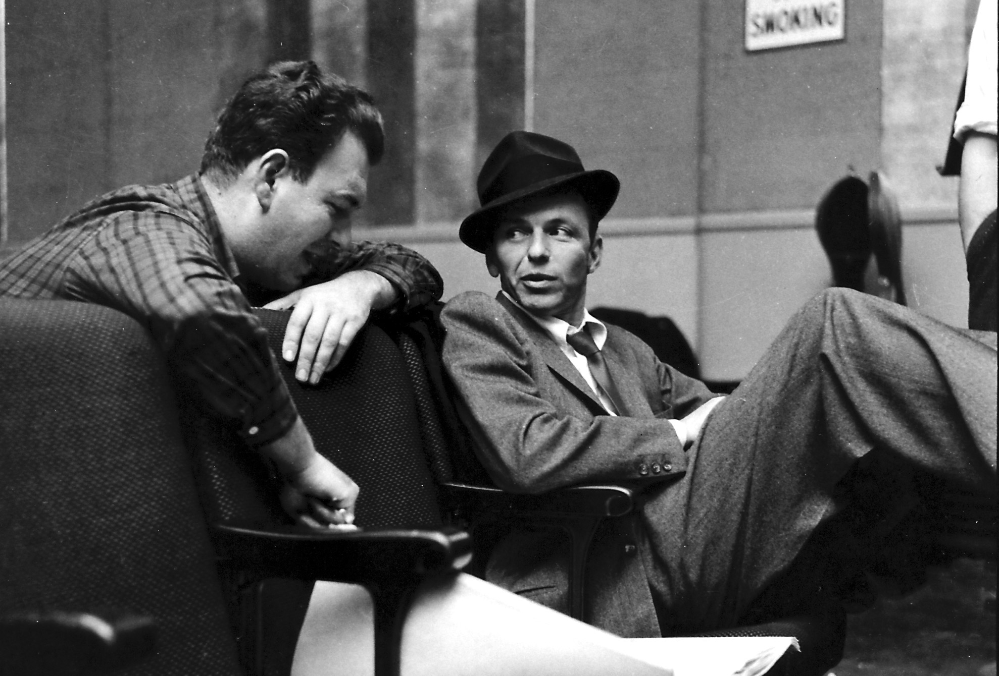 an introduction to the life and music by frank sinatra Frank sinatra is one of the most popular singers in american history as an actor, he appeared in fifty-eight films and won an academy award for his role in from here to eternity his career started in the 1930s and continued into the 1990s.